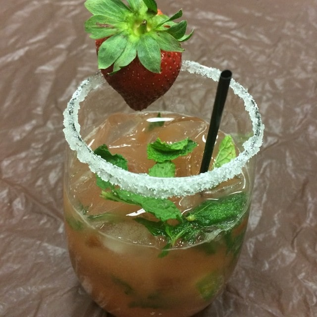 Strawberry Mojito Mocktails #TreeTopPlaydate
