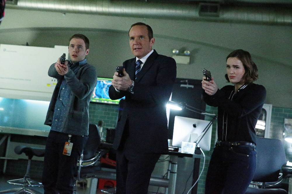 """MARVEL'S AGENTS OF S.H.I.E.L.D. - """"S.O.S.,"""" Part One and Part Two"""" - S.H.I.E.L.D. puts everything on the line to survive a war that blurs the line between friend and foe. Coulson and his team will be forced to make shocking sacrifices that will leave their relationships and their world changed forever, on the two-hour season finale of """"Marvel's Agents of S.H.I.E.L.D,"""" TUESDAY, MAY 12 (9:00-11:00 p.m., ET) on the ABC Television Network. (ABC/Mitchell Haaseth) IAIN DE CAESTECKER, CLARK GREGG, ELIZABETH HENSTRIDGE"""