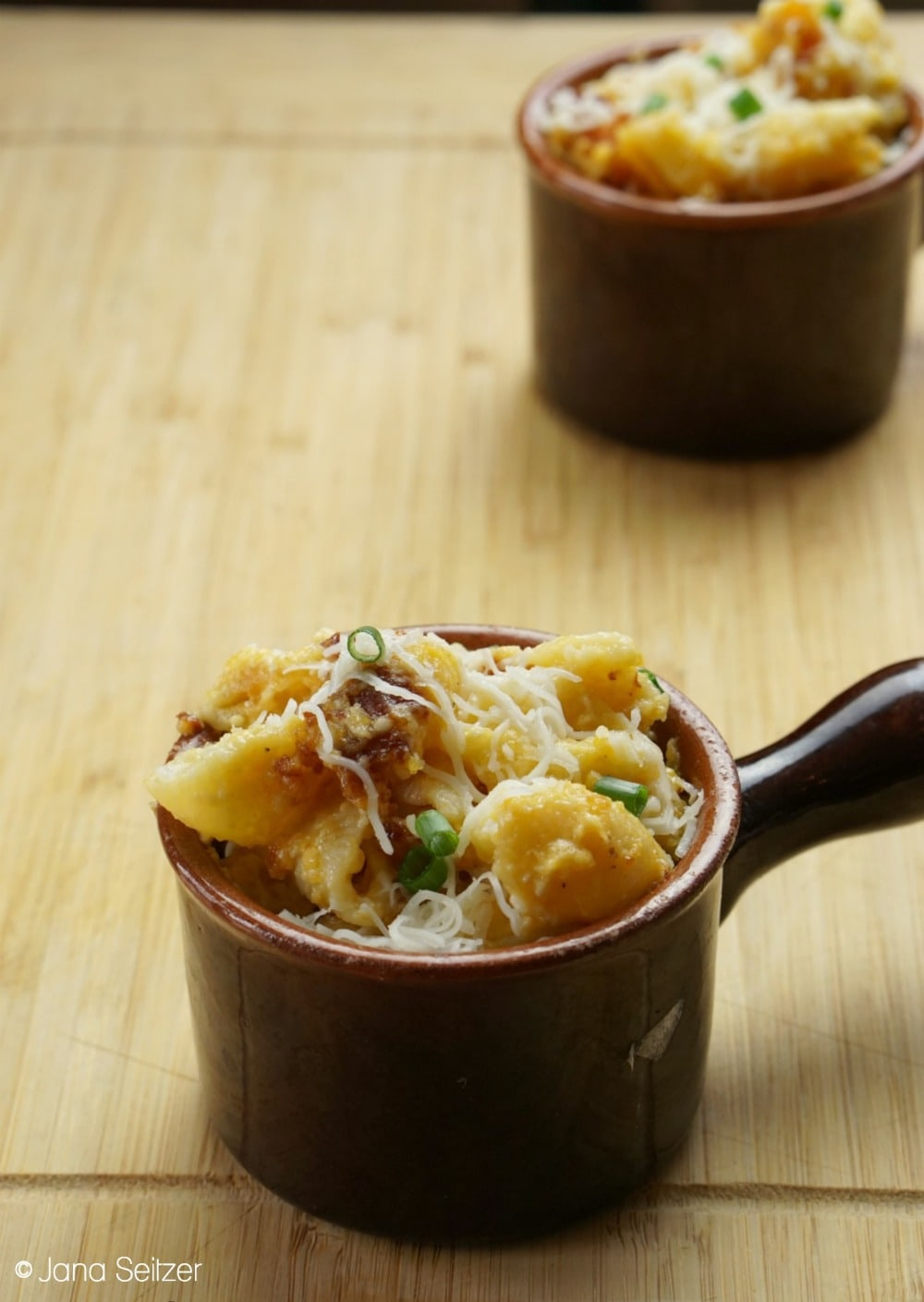 Slow Cooker Mac and Cheese in ceramic bowls