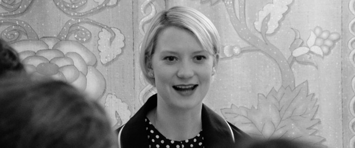 Mia Wasikowska as Alice Kingsleigh Interview – Alice Through the Looking Glass