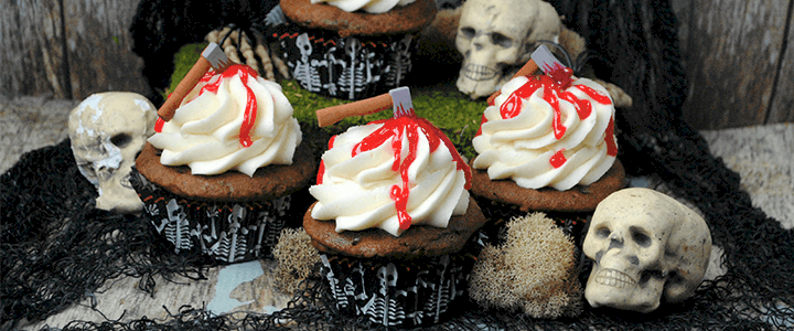 Bloody Axe Cupcakes for Halloween – The Walking Dead Cupcakes