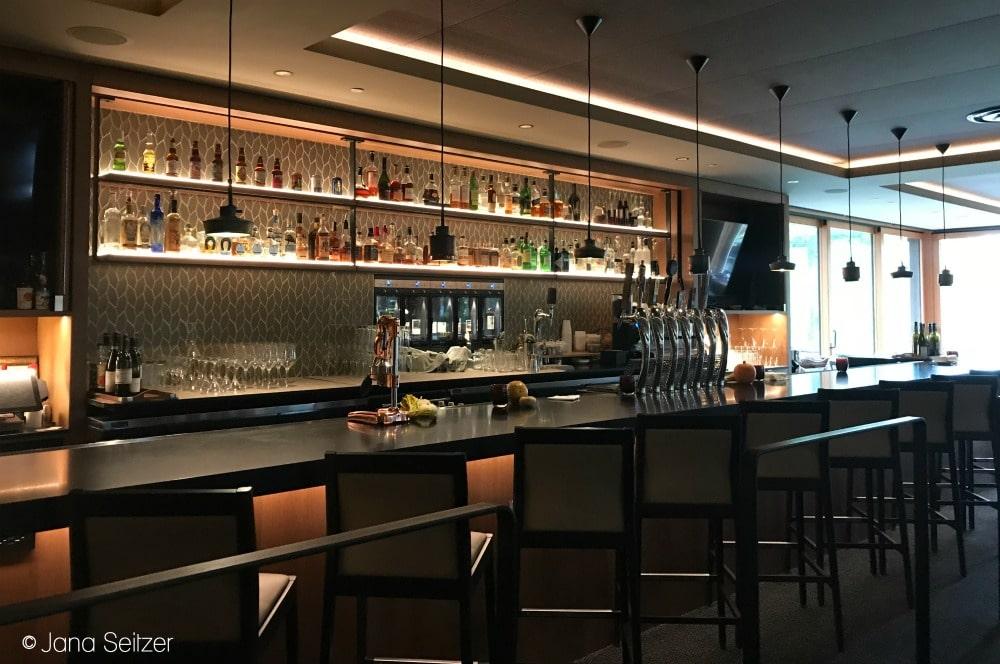Dining at Copperleaf Restaurant atCedarbrook Lodge bar