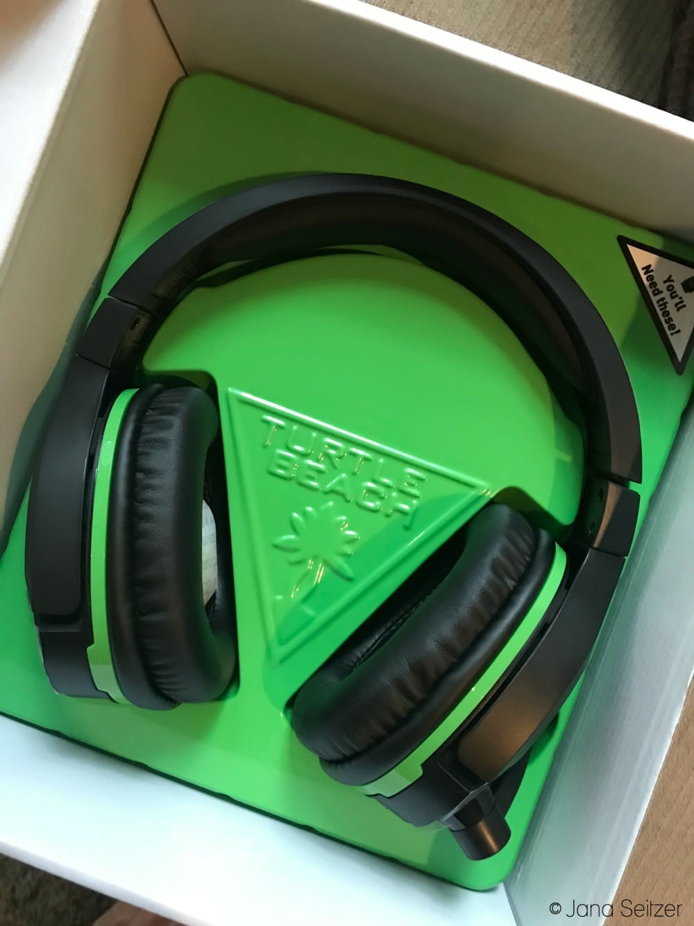 The Perfect Gift for Gamers - Turtle Beach Stealth 700 Gaming Headset for Xbox One