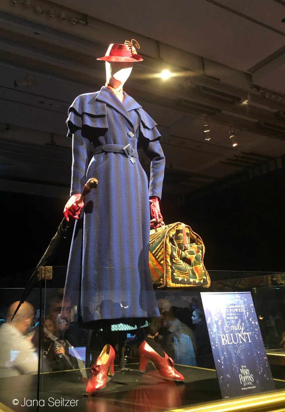 Mary Poppins Returns Red Carpet Premiere Mary Poppins costume
