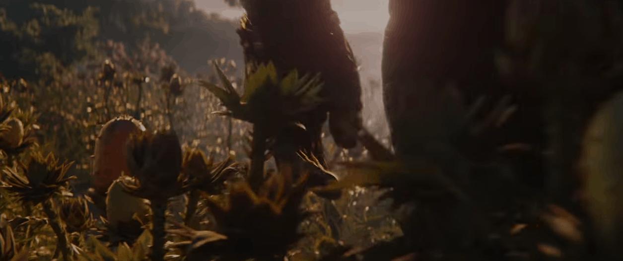 Avengers 4 End Game damaged gauntlet