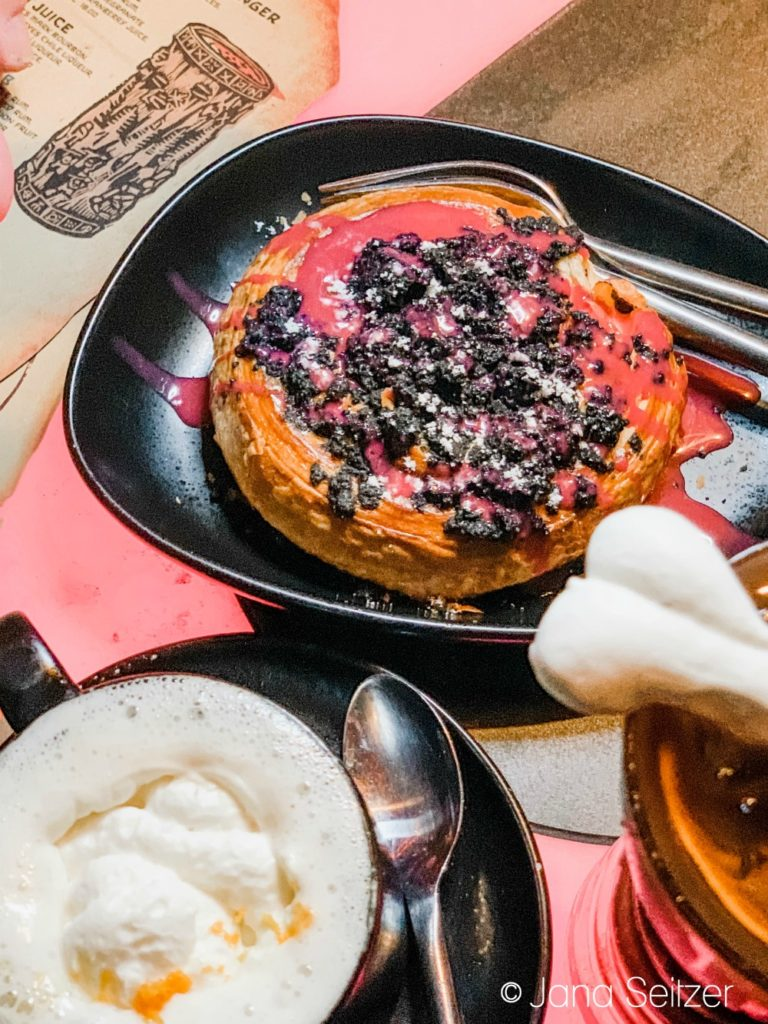 mustafarian laval roll, spiran caf, bloody rancor
