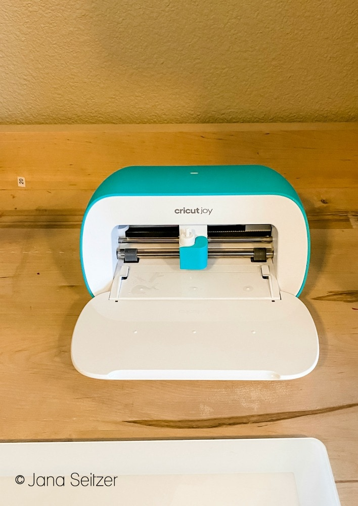cricut joy open on desk