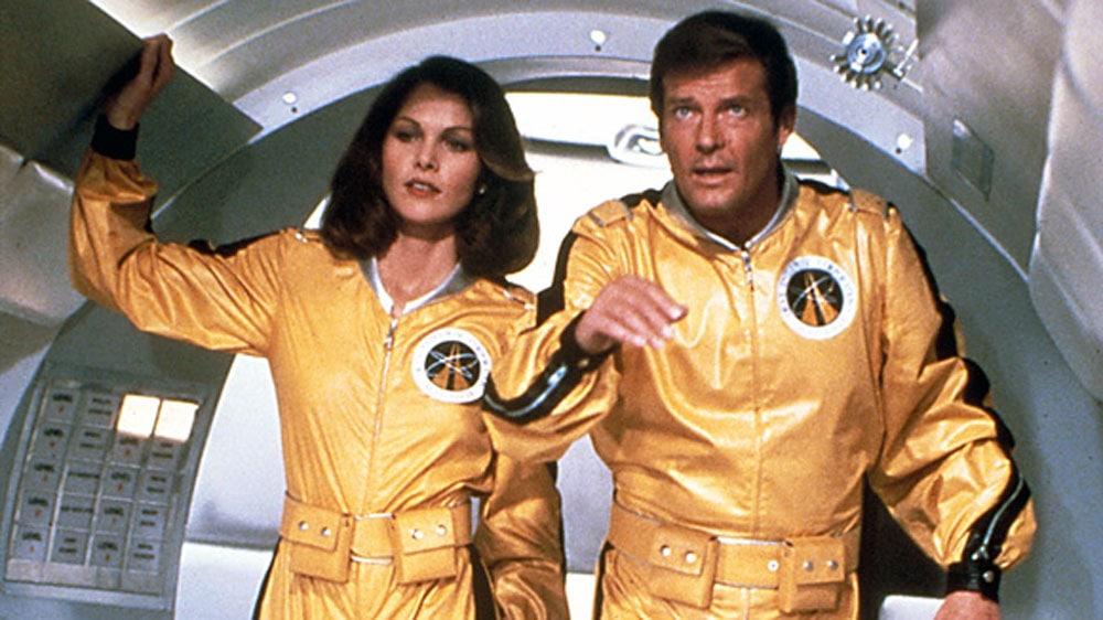 Moonraker-James-Bond-Roger-Moore