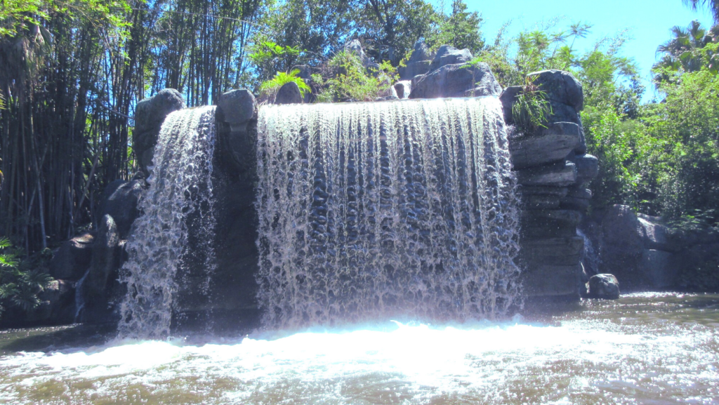 Schweitzer Falls: The 8th Wonder of the World, The Backside of Water