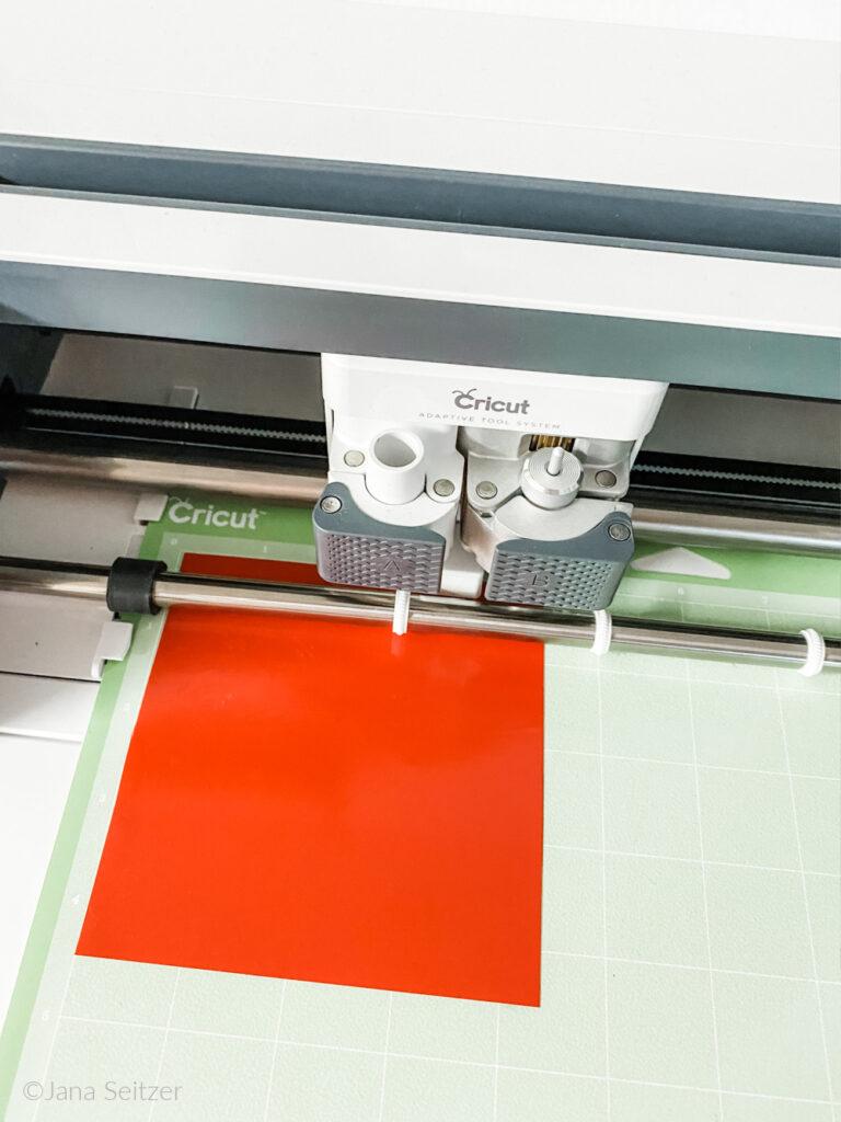 Cricut vinyl loaded on mat