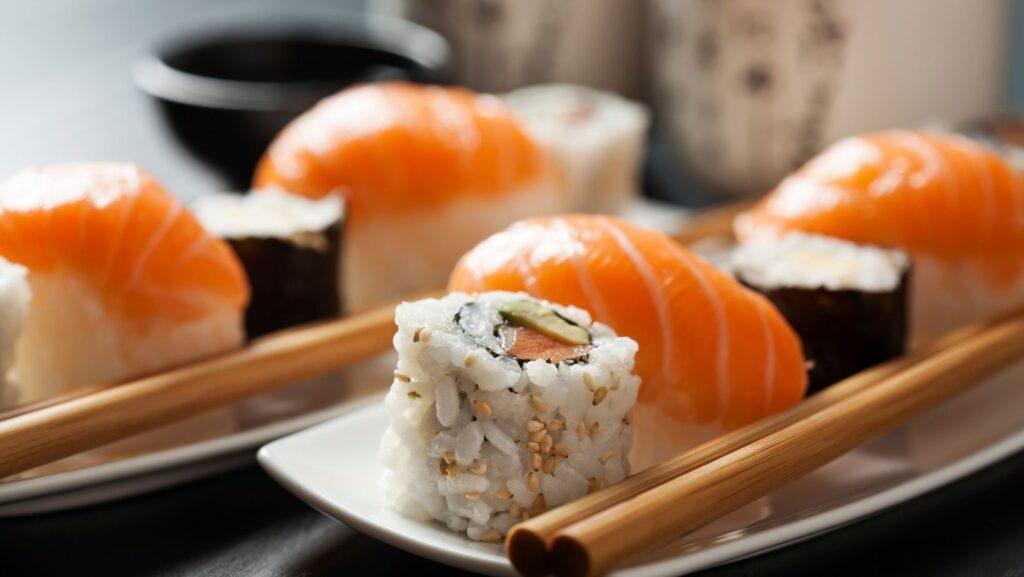 sushi - Japan Top Food Destinations