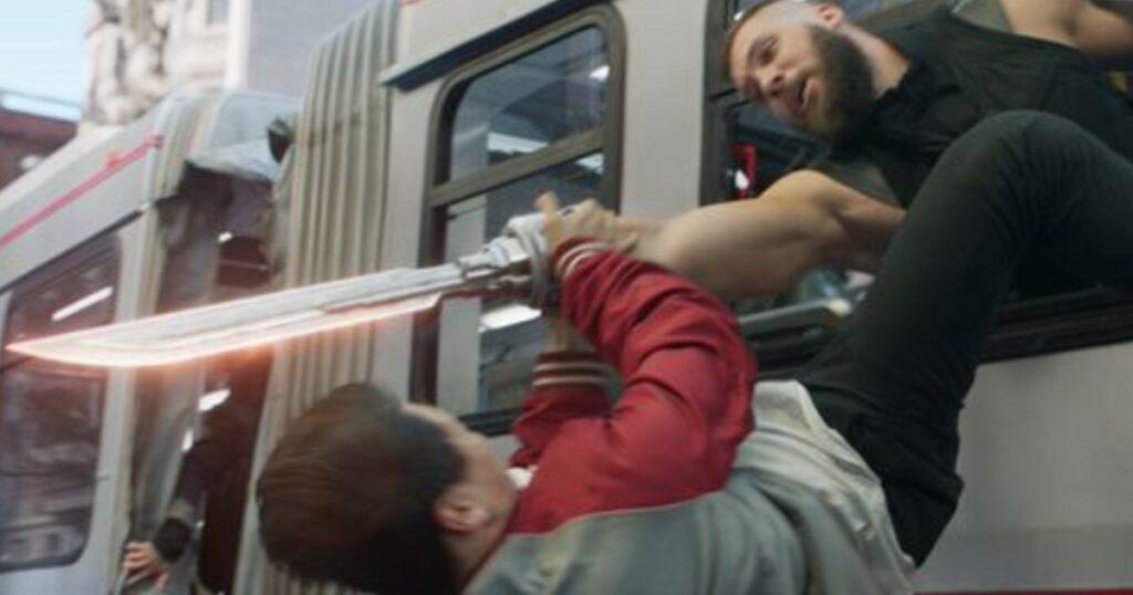 Shang-Chi-razor fist bus